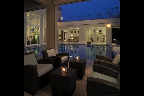 florida-pool-designer52 G Porch Poolside