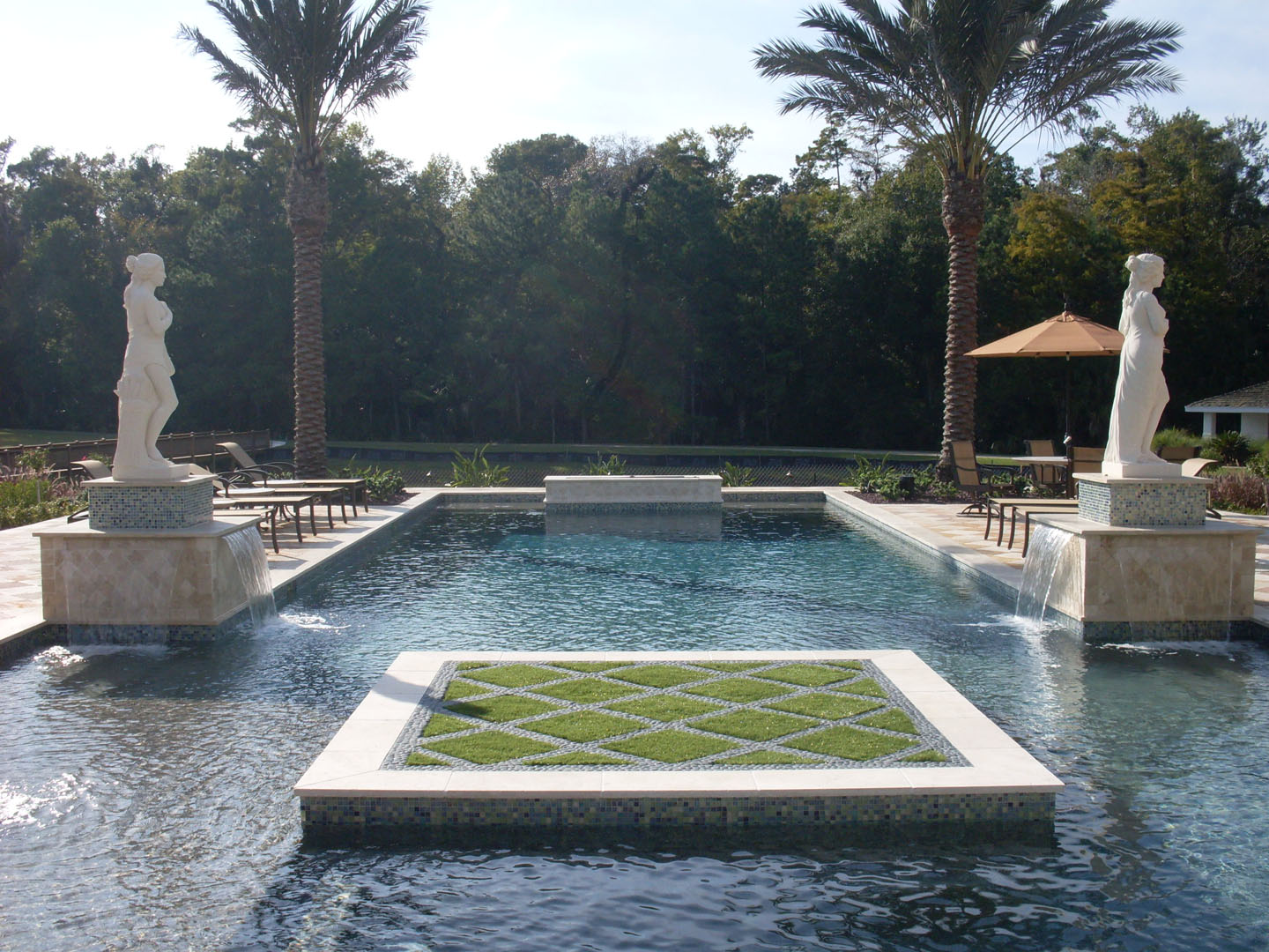custom pool designer florida